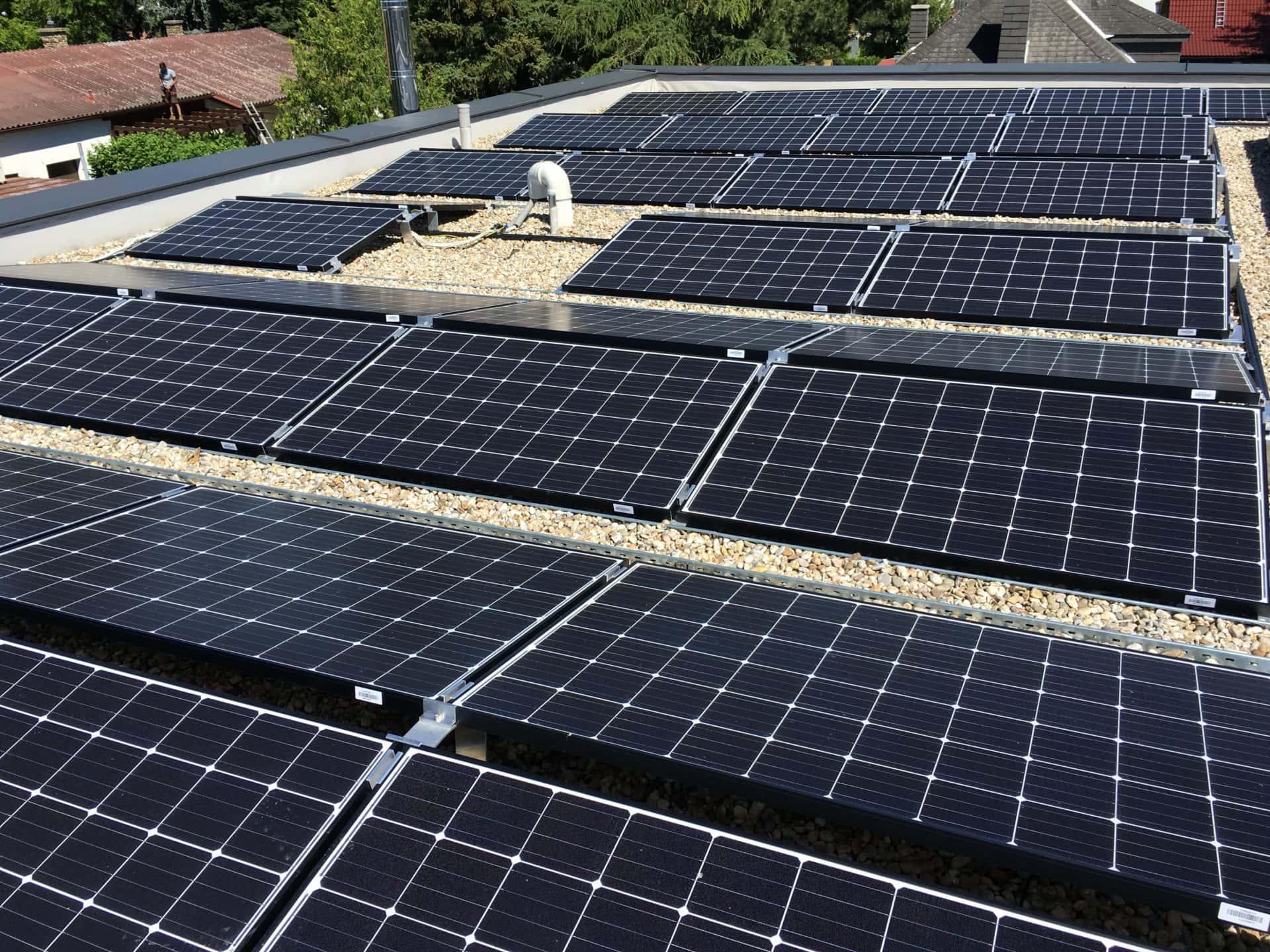 Referenzbild einer Photovoltaik Ost-West Ausrichtung