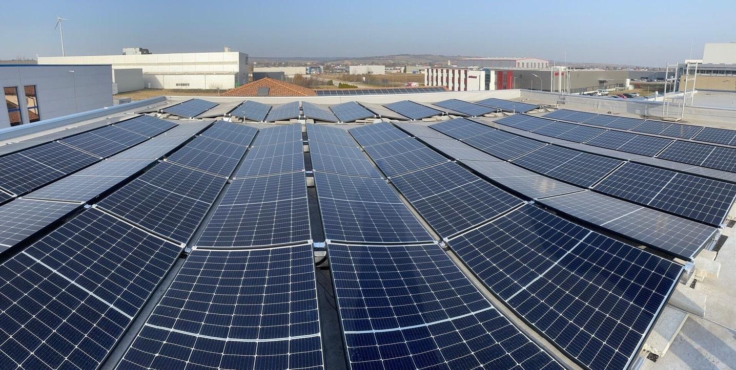 Ost-West Ausrichtung von Photovoltaik im Burgenland